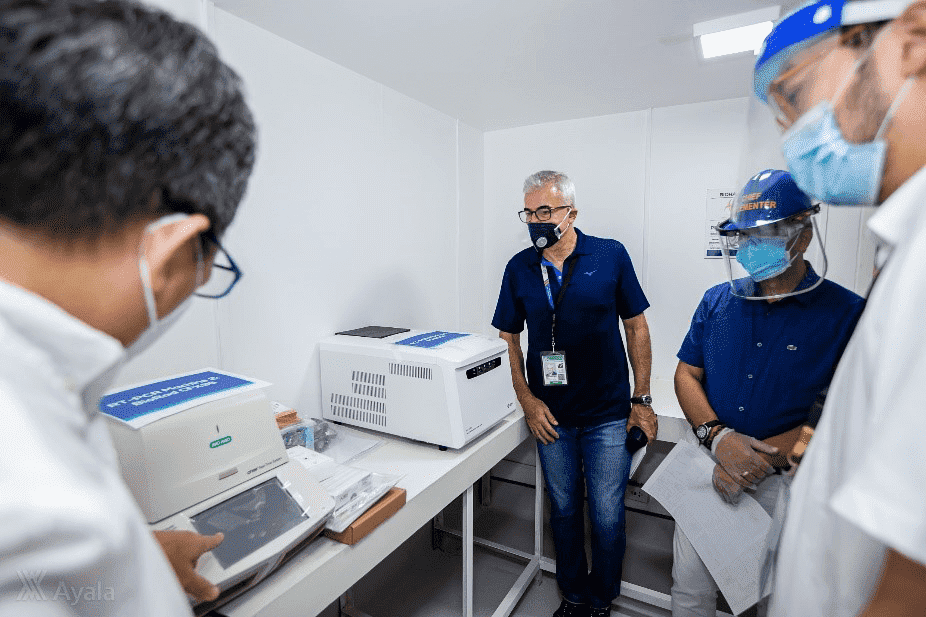 Fernando Zobel de Ayala, President and COO of Ayala Corporation, tours the new BSL-2 modular-type laboratory of Qualimed Sta. Rosa