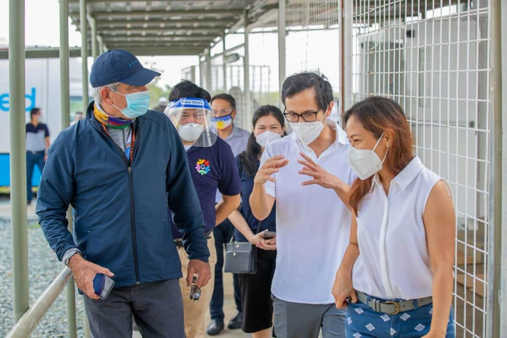 Jaime Augusto Zobel de Ayala (Chairman and CEO, Ayala Corporation) and Sec. Vince Dizon (Deputy Chief Implementer, National Action Plan Against COVID-19) take a tour of the COVID-19 facilities