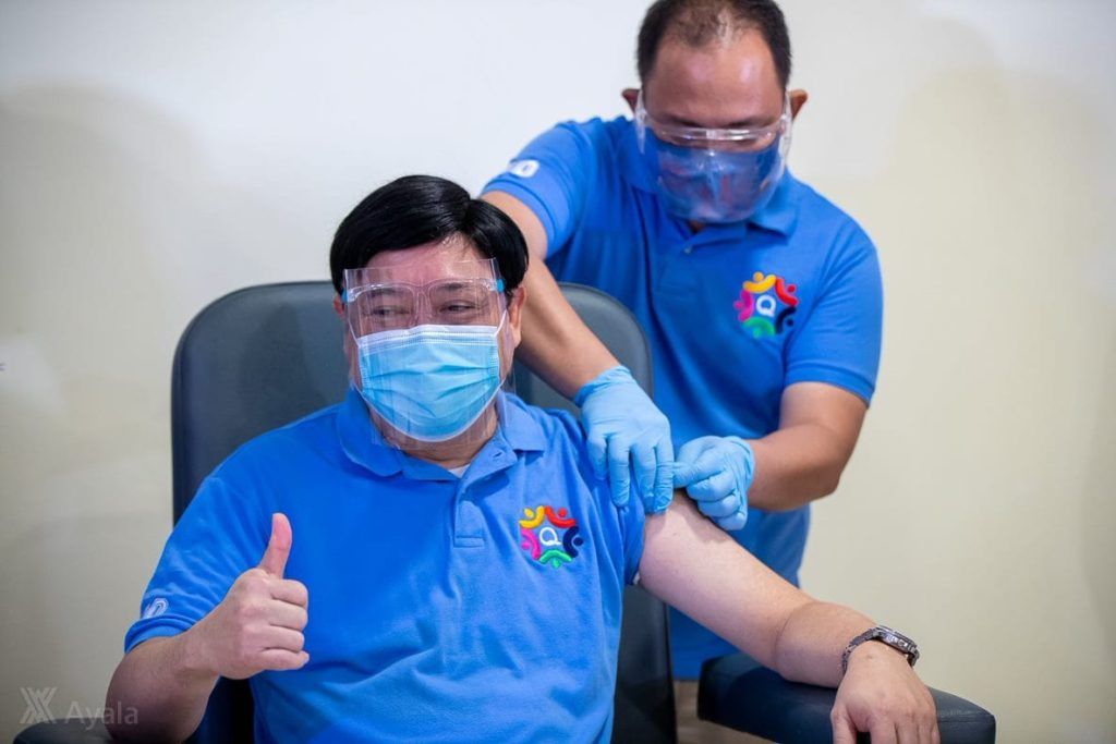 Dr. Edwin Mercado first healthcare worker outside of Metro Manila to be vaccinated with the AstraZeneca vaccine