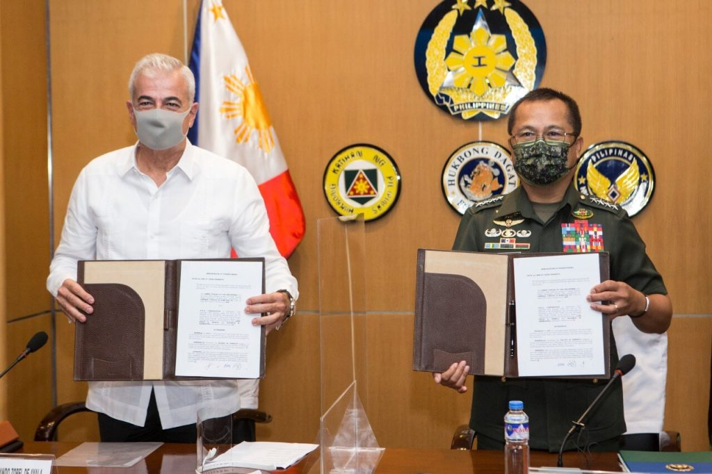 Ayala Corporation President and CEO Fernando Zobel de Ayala with AFP Chief of Staff General Cirilito Sobejana signed an agreement between Ayala and the Armed Forces of the Philippines
